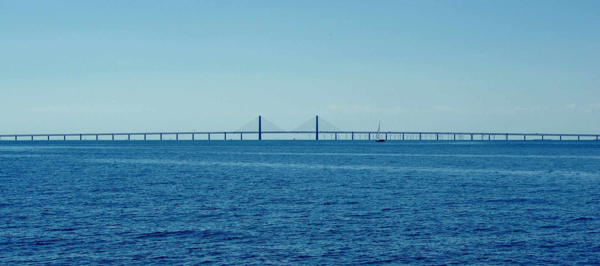 Öresundsbro vom Wasser aus
