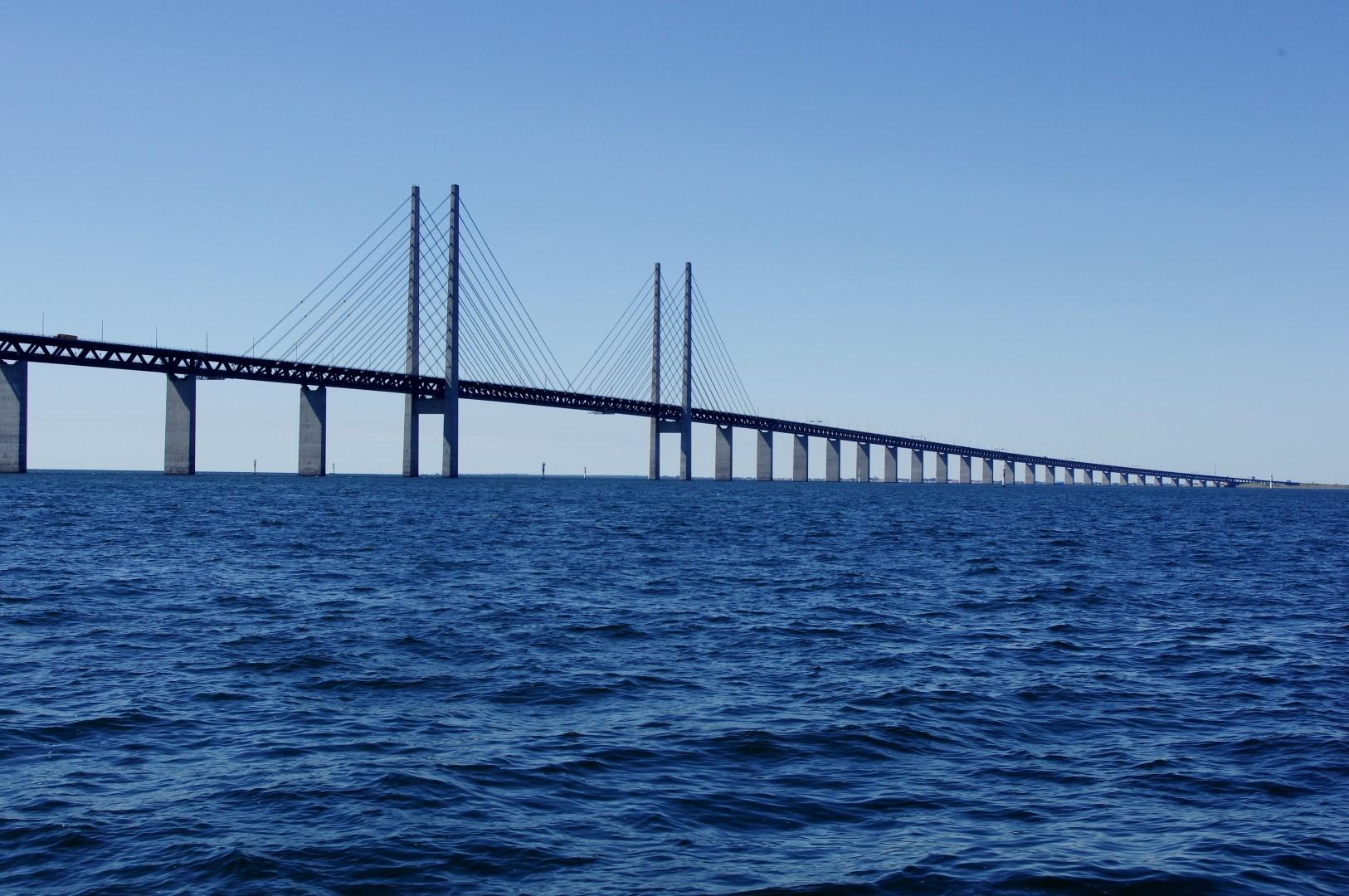 Die Bruecke ueber den Öresund verbindet Dänemark mit Schweden