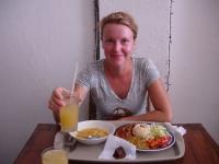 Delyxmahlzeit für drei Euro. Frischgepresster Saft und Minikuchen inklusive.